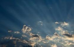 ηλιοβασίλεμα ακτίνων Στοκ φωτογραφία με δικαίωμα ελεύθερης χρήσης