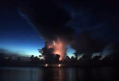ηλιοβασίλεμα αστραπής Στοκ Φωτογραφίες