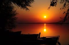 ηλιοβασίλεμα βαρκών Στοκ φωτογραφία με δικαίωμα ελεύθερης χρήσης