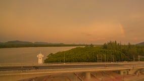 ηλιοβασίλεμα επάνω από το νησί Lanta στοκ εικόνες με δικαίωμα ελεύθερης χρήσης