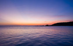 ηλιοβασίλεμα θάλασσας κρητιδογραφιών ζωηρό Στοκ εικόνες με δικαίωμα ελεύθερης χρήσης