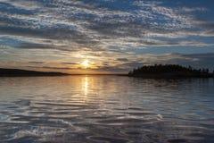 ηλιοβασίλεμα θάλασσας τοπίων ακτών Στοκ Φωτογραφίες