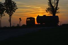Ηλιοβασίλεμα και κυκλοφορία Στοκ Εικόνες