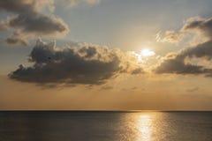 Ηλιοβασίλεμα και ορίζοντας marmara στη θάλασσα στοκ εικόνες