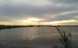 Ηλιοβασίλεμα κοντά στον αερολιμένα στην Προβηγκία στοκ φωτογραφίες