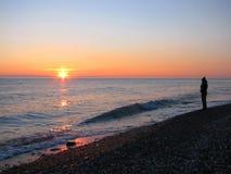 ηλιοβασίλεμα κοριτσιών στοκ εικόνα με δικαίωμα ελεύθερης χρήσης