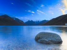 Ηλιοβασίλεμα λιμνών νεράιδων στοκ εικόνες