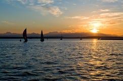 ηλιοβασίλεμα ναυσιπλ&omicro στοκ φωτογραφίες