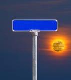 ηλιοβασίλεμα οδών σημαδ Στοκ Εικόνες