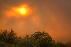 ηλιοβασίλεμα ομίχλης Στοκ εικόνα με δικαίωμα ελεύθερης χρήσης