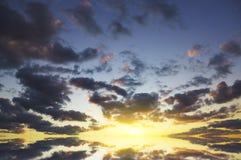 ηλιοβασίλεμα ουρανού ανασκόπησης Στοκ φωτογραφία με δικαίωμα ελεύθερης χρήσης