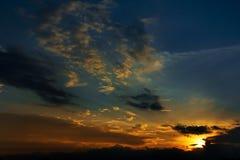 ηλιοβασίλεμα ουρανού β& Στοκ φωτογραφία με δικαίωμα ελεύθερης χρήσης