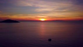 Ηλιοβασίλεμα ουρανού της Ταϊλάνδης φιλμ μικρού μήκους