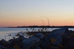 Ηλιοβασίλεμα πέρα από την παραλία του Σαλίσμπερυ στοκ εικόνα με δικαίωμα ελεύθερης χρήσης