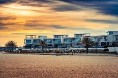 Ηλιοβασίλεμα πέρα από τη κατοικήσιμη περιοχή του λιμένα Μελβούρνη, Αυστραλία στοκ φωτογραφία με δικαίωμα ελεύθερης χρήσης