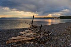 Ηλιοβασίλεμα πέρα από τη λίμνη Yellowstone Στοκ εικόνα με δικαίωμα ελεύθερης χρήσης