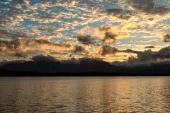 Ηλιοβασίλεμα πέρα από τη λιμνοθάλασσα Canaima, Βενεζουέλα Στοκ φωτογραφίες με δικαίωμα ελεύθερης χρήσης