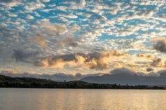 Ηλιοβασίλεμα πέρα από τη λιμνοθάλασσα Canaima, Βενεζουέλα Στοκ φωτογραφία με δικαίωμα ελεύθερης χρήσης