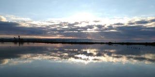 Ηλιοβασίλεμα πέρα από τον αερολιμένα στην Προβηγκία στοκ φωτογραφία με δικαίωμα ελεύθερης χρήσης