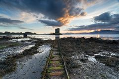 Ηλιοβασίλεμα πέρα από το κυνηγό του Castle Στοκ εικόνες με δικαίωμα ελεύθερης χρήσης