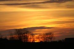 Ηλιοβασίλεμα πέρα από Eslöv στη Σουηδία στοκ φωτογραφία με δικαίωμα ελεύθερης χρήσης