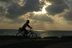 ηλιοβασίλεμα ποδηλάτων Στοκ Εικόνα