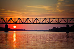 ηλιοβασίλεμα ποταμών Στοκ φωτογραφία με δικαίωμα ελεύθερης χρήσης