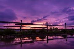 Ηλιοβασίλεμα που απεικονίζεται στοκ εικόνες