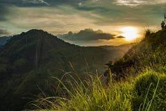 Ηλιοβασίλεμα που βλέπει από την αιχμή λίγου Adam στοκ φωτογραφία με δικαίωμα ελεύθερης χρήσης