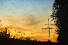 ηλιοβασίλεμα πυλώνων Στοκ εικόνα με δικαίωμα ελεύθερης χρήσης