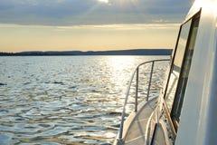 Ηλιοβασίλεμα σε μια βάρκα Στοκ φωτογραφία με δικαίωμα ελεύθερης χρήσης