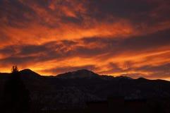 Ηλιοβασίλεμα στα δύσκολα βουνά Στοκ Φωτογραφία