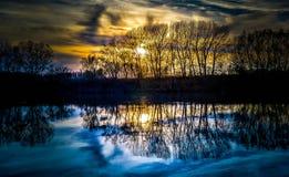 Ηλιοβασίλεμα στην άνω πλευρά - κάτω στοκ φωτογραφίες με δικαίωμα ελεύθερης χρήσης