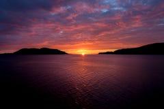 Ηλιοβασίλεμα στην ακτή Στοκ εικόνα με δικαίωμα ελεύθερης χρήσης