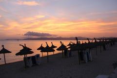 Ηλιοβασίλεμα στην παραλία στην Ισπανία Στοκ Φωτογραφία