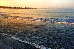 Ηλιοβασίλεμα στην παραλία που αγνοεί τον ουρανό στοκ φωτογραφίες με δικαίωμα ελεύθερης χρήσης