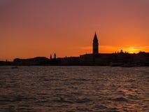 Ηλιοβασίλεμα στην πόλη των καναλιών Στοκ Εικόνες
