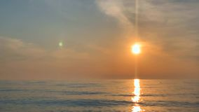 Ηλιοβασίλεμα στη θάλασσα φιλμ μικρού μήκους