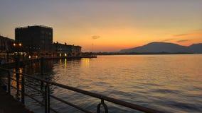 Ηλιοβασίλεμα στη λίμνη Iseo στοκ εικόνα