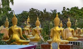 Ηλιοβασίλεμα στο βουδιστικό ναό στοκ φωτογραφία με δικαίωμα ελεύθερης χρήσης