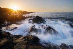 Ηλιοβασίλεμα στο Λα Houssaye Saint-Paul ΚΑΠ στη Νήσο Ρεϊνιόν Στοκ φωτογραφίες με δικαίωμα ελεύθερης χρήσης
