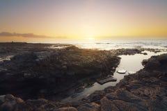 Ηλιοβασίλεμα στο Λα Houssaye στο Saint-Paul, Νήσος Ρεϊνιόν ΚΑΠ Στοκ εικόνες με δικαίωμα ελεύθερης χρήσης
