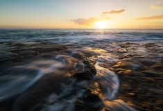 Ηλιοβασίλεμα στο Λα Houssaye στο Saint-Paul, Νήσος Ρεϊνιόν ΚΑΠ Στοκ Φωτογραφίες