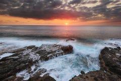 Ηλιοβασίλεμα στο Λα Houssaye στο Saint-Paul, Νήσος Ρεϊνιόν ΚΑΠ Στοκ Φωτογραφία