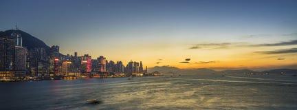 Ηλιοβασίλεμα στο λιμάνι Βικτώριας του Χονγκ Κονγκ στοκ φωτογραφίες