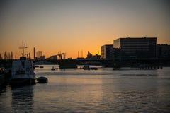 Ηλιοβασίλεμα στο λιμάνι της Κοπεγχάγης Δανία στοκ φωτογραφία με δικαίωμα ελεύθερης χρήσης