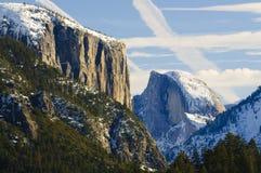 Ηλιοβασίλεμα στο μισό θόλο στην κοιλάδα Yosemite Στοκ φωτογραφία με δικαίωμα ελεύθερης χρήσης