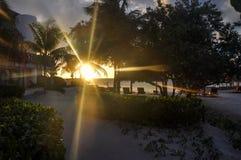Ηλιοβασίλεμα στο νησί Holbox, Μεξικό στοκ εικόνα