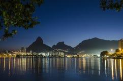 Ηλιοβασίλεμα στο Rodrigo de Freitas Lagoon. Στοκ Φωτογραφίες