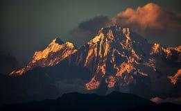Ηλιοβασίλεμα χιονιού στο μέγιστο πιό everest βουνό του Ιμαλαίαυ στοκ φωτογραφία με δικαίωμα ελεύθερης χρήσης